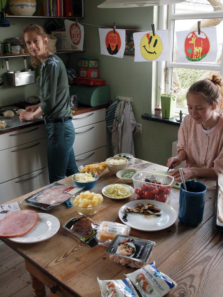 Cutting ingredients